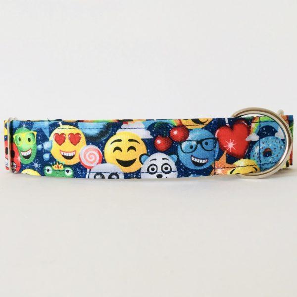 Emoji dog collar 2