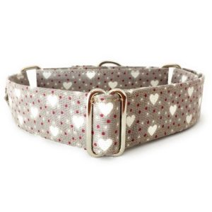 collar perro corazones beige FB-min