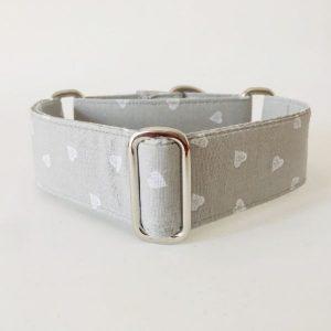 collar perro corazones gris claro 1-min
