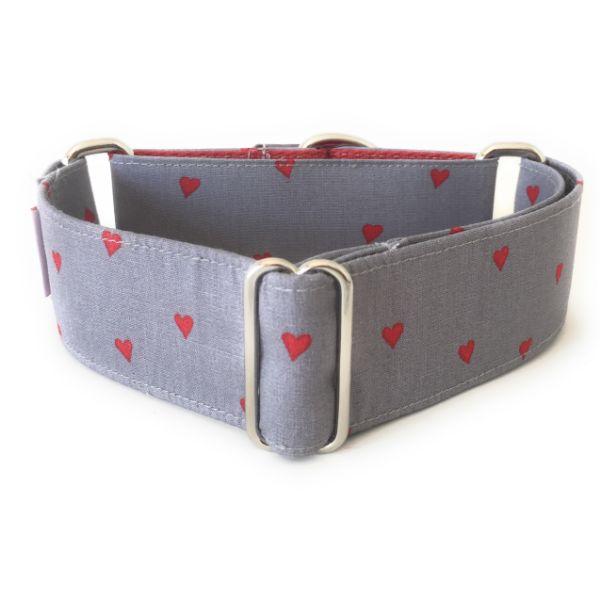 collar perro corazones gris y rojo 1-min