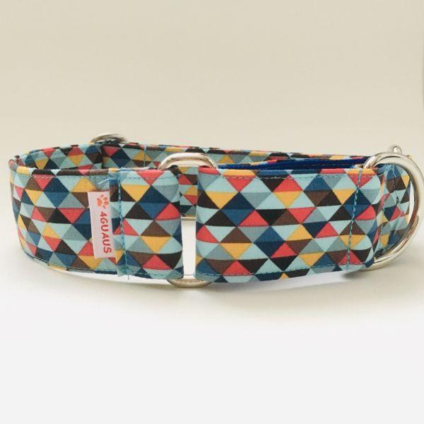 collar perro triangulos azul y rojo 2-min