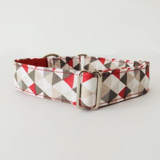 collar perro triangulos rojo y gris 1