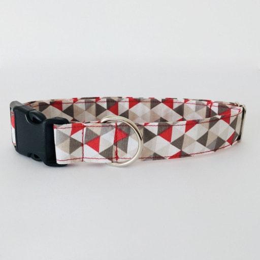 collar perro triangulos rojo y gris 3
